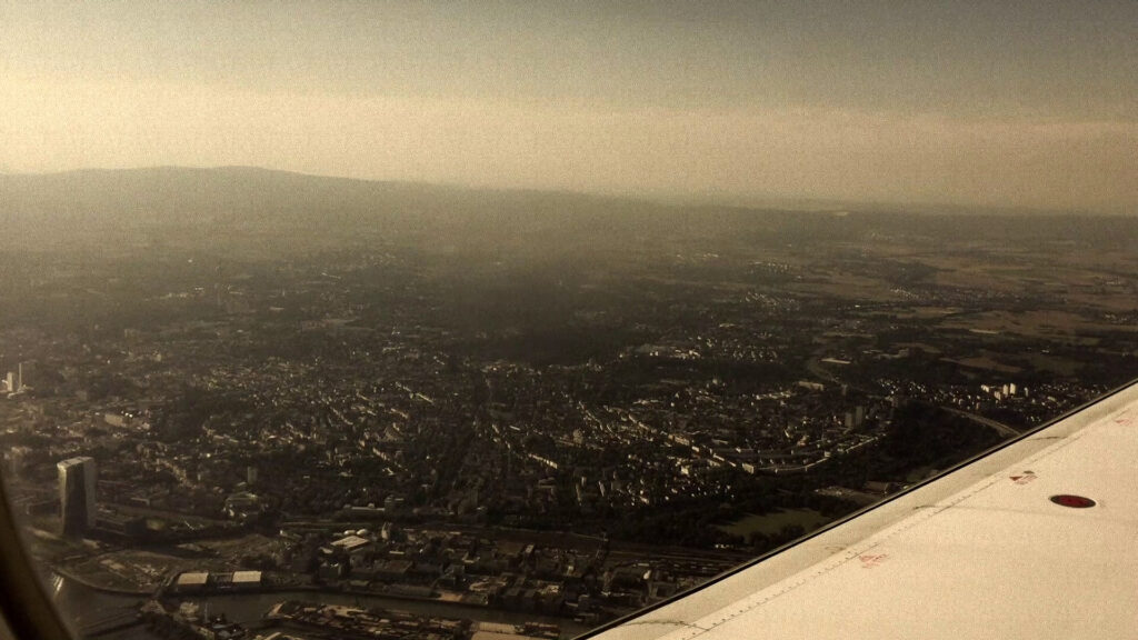 25R, Aiport, EDDF, Frankfurt am Main, Germany, Lufthansa, Main, Rhein-Main, Runway, Skyline, Taunus, Wing