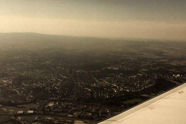 25R, Aiport, EDDF, Frankfurt am Main, Germany, Lufthansa, Main, Rhein-Main, Runway, Skyline, Taunus, Wing
